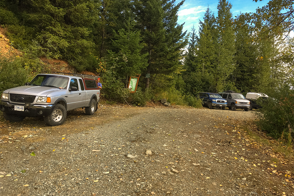 Tenquille Lake Trail Parking